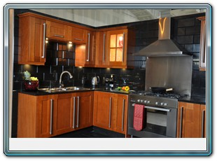Kitchen In Cherry Oak On Sale